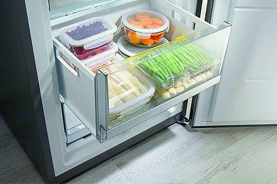 FastFreeze - De snel vriezen functie schakelt de vriesruimte tijdelijk naar -24°C om producten sneller in te vriezen en de voedingsstoffen beter te behouden.