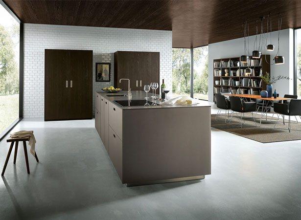 NX 902 - vloeiende overgang van de keuken naar het woongedeelte.