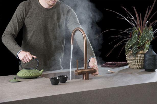 Thee zetten met de Selsiuz Rond kraan in de kleur Copper