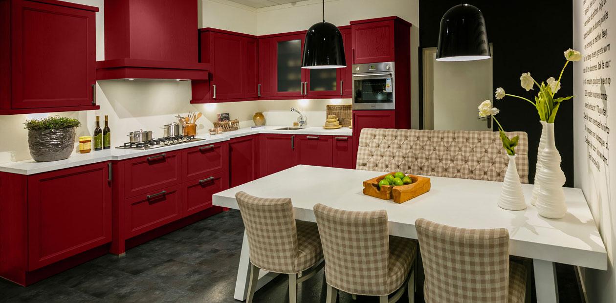 Een Rode Keuken Straalt Warmte Uit Bemmel Kroon Keukens
