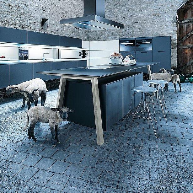 Campagne met kooktafel en schapen
