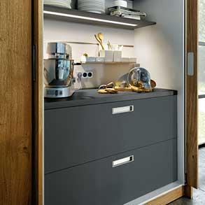 Inbouwkast van de next125 NX510 keuken in de kleur L212