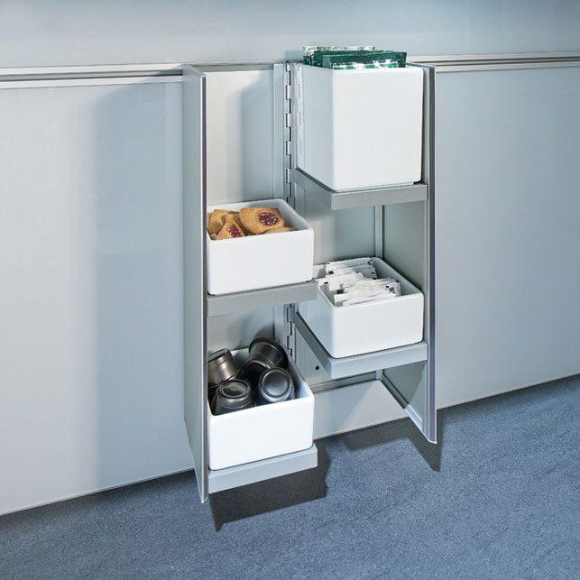 next125 cube-09: Schalen Biedt ruimte voor 3 kleine en 1 grote porceleinen schaal